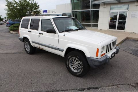 Pre-Owned 2000 Jeep Cherokee Sport 4WD